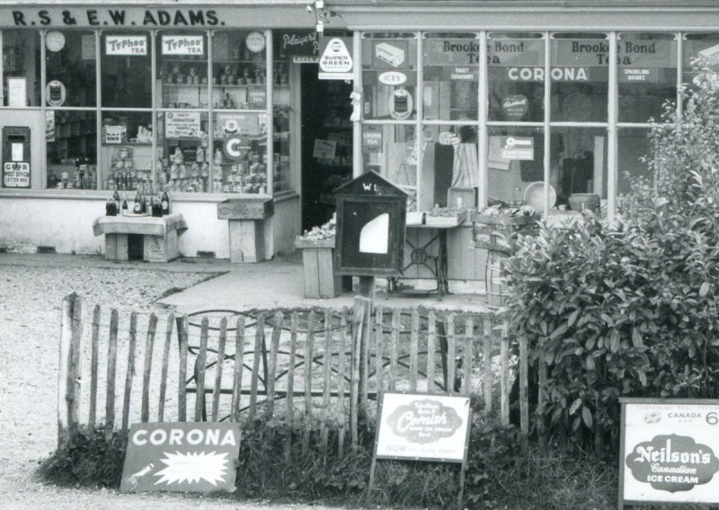 Everton Post Office and Stores, 1954 (courtesy St. Barbe Museum, Lymington)