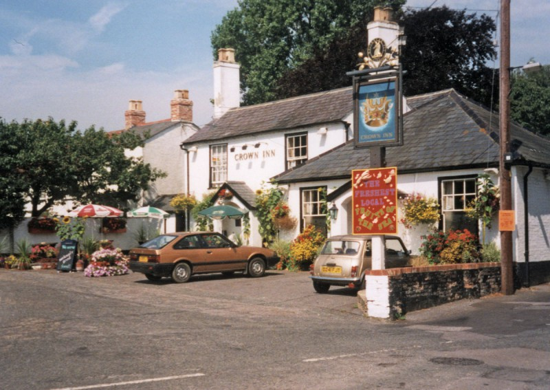 The Crown Inn, 1998 (Courtesy Gill Rowlands)